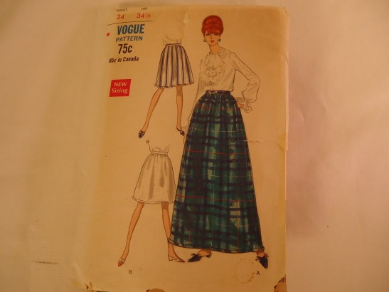 VINTAGE VOGUE 1960s SEWING PATTERN MAXI SKIRT